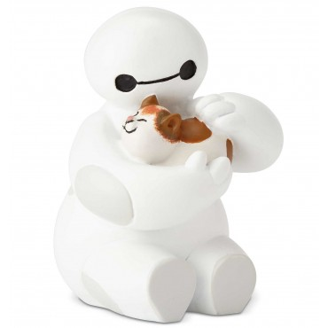 BAYMAX ACCAREZZA UN GATTO DISNEY SHOWCASE